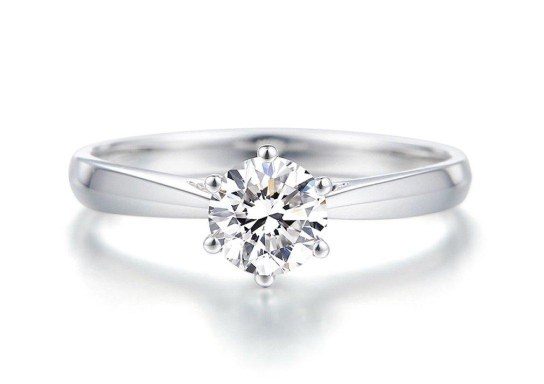 莫桑石(摩星鑽)可以媲美鑽石的合成寶石