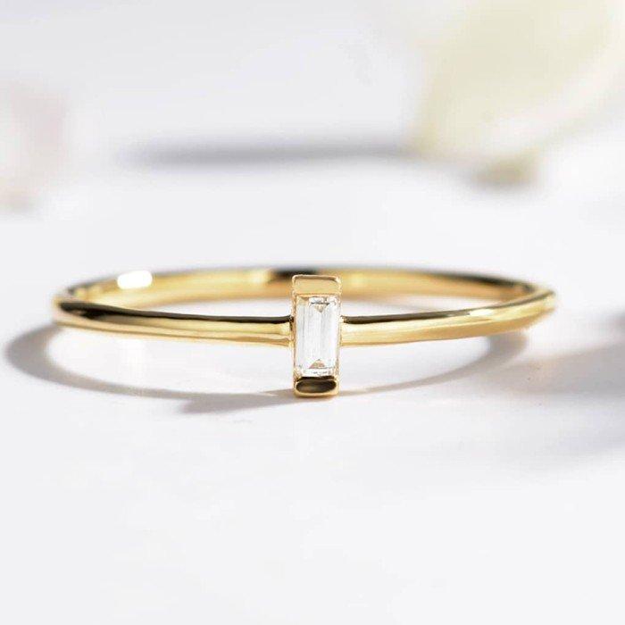 輕珠寶-T方形0.05克拉鑽戒