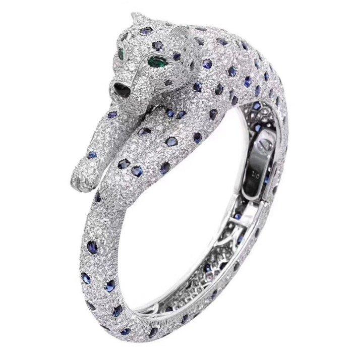 18k金奢華滿鑽美洲豹手環